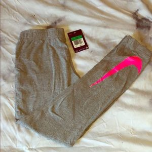 Girls NWT grey and neon pink leggings - XL